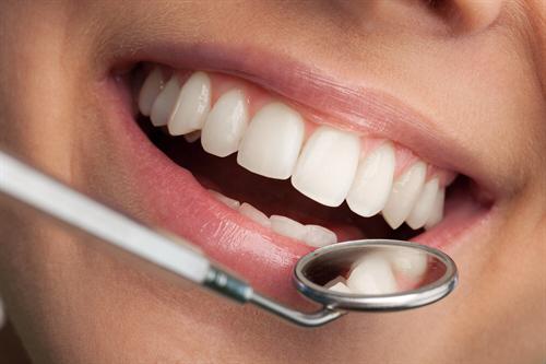 Najlepsze usługi stomatologiczne – gdzie są świadczone?