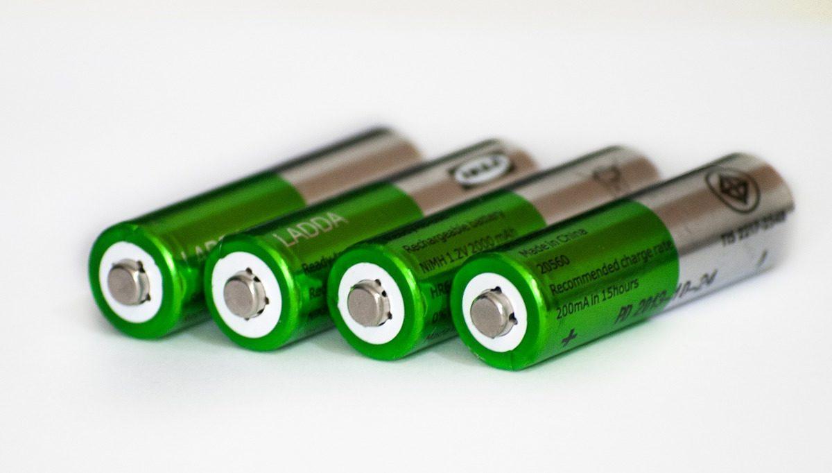 Jak działają akumulatory kwasowo ołowiowe wykorzystywane w naszych autach?
