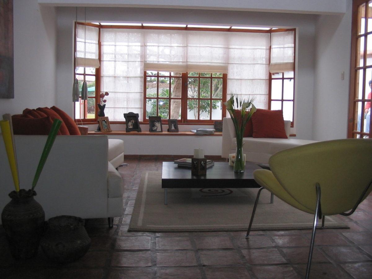 Okno to ważny element wnętrza, warto pamiętać o jego dekoracji