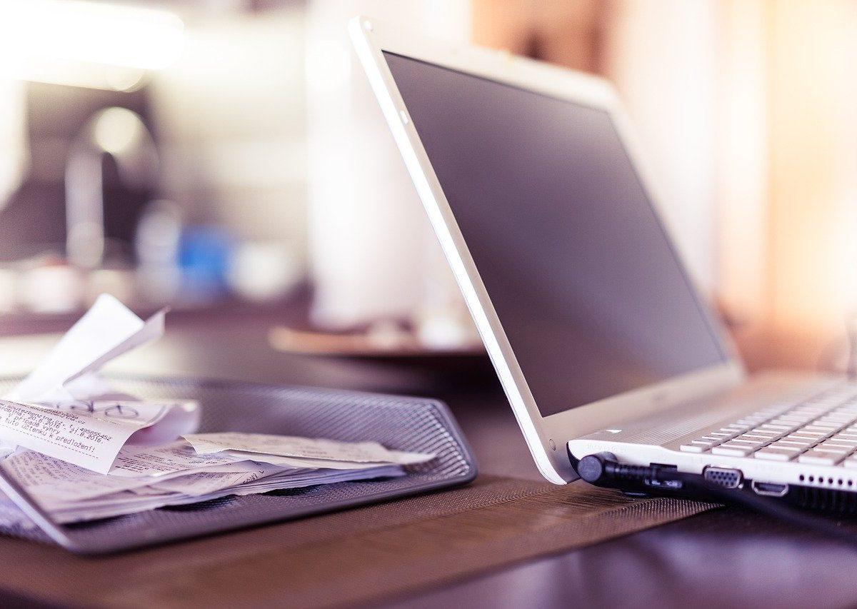 Tłumaczenie dokumentów biznesowych w biurze tłumaczeń