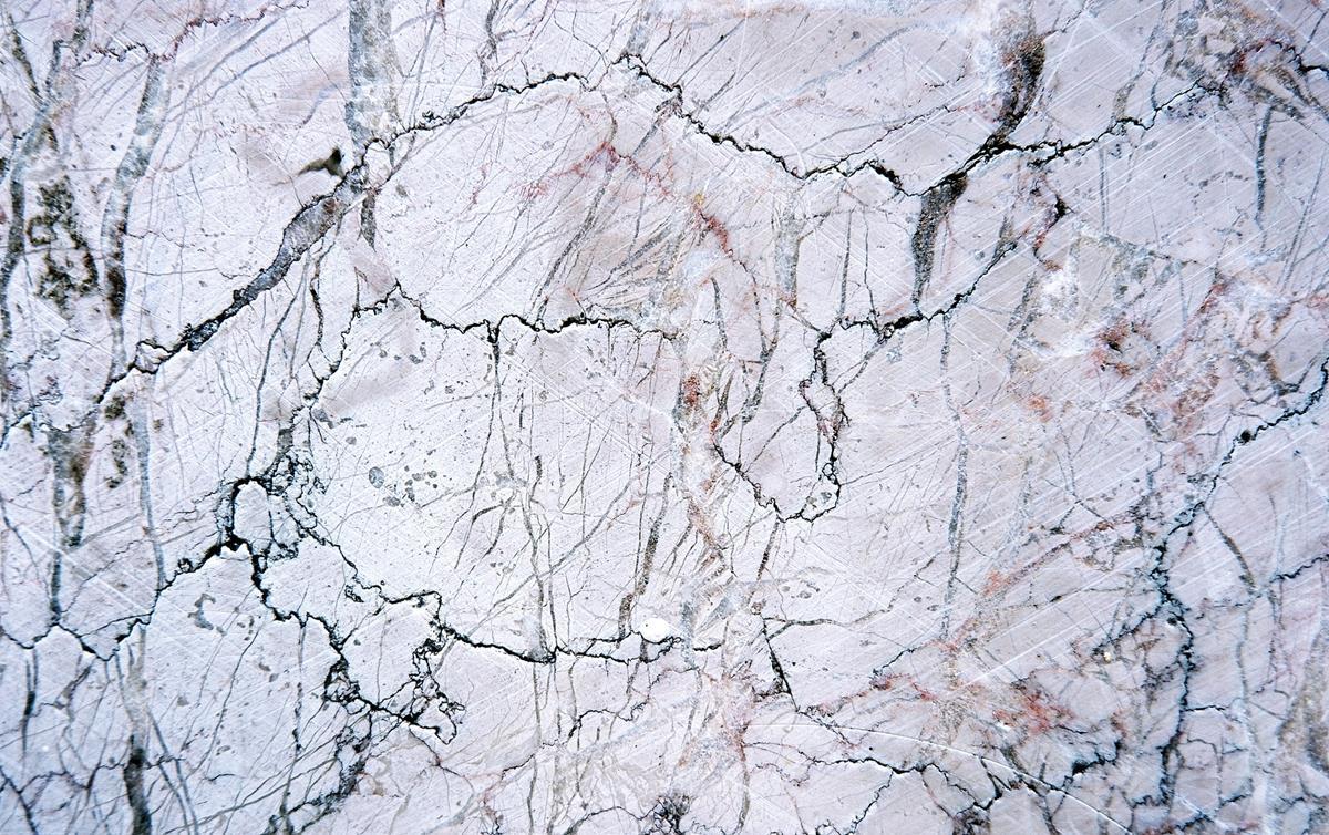 Czyszczenie i konserwacja marmuru – jak zrobić to bezpiecznie?