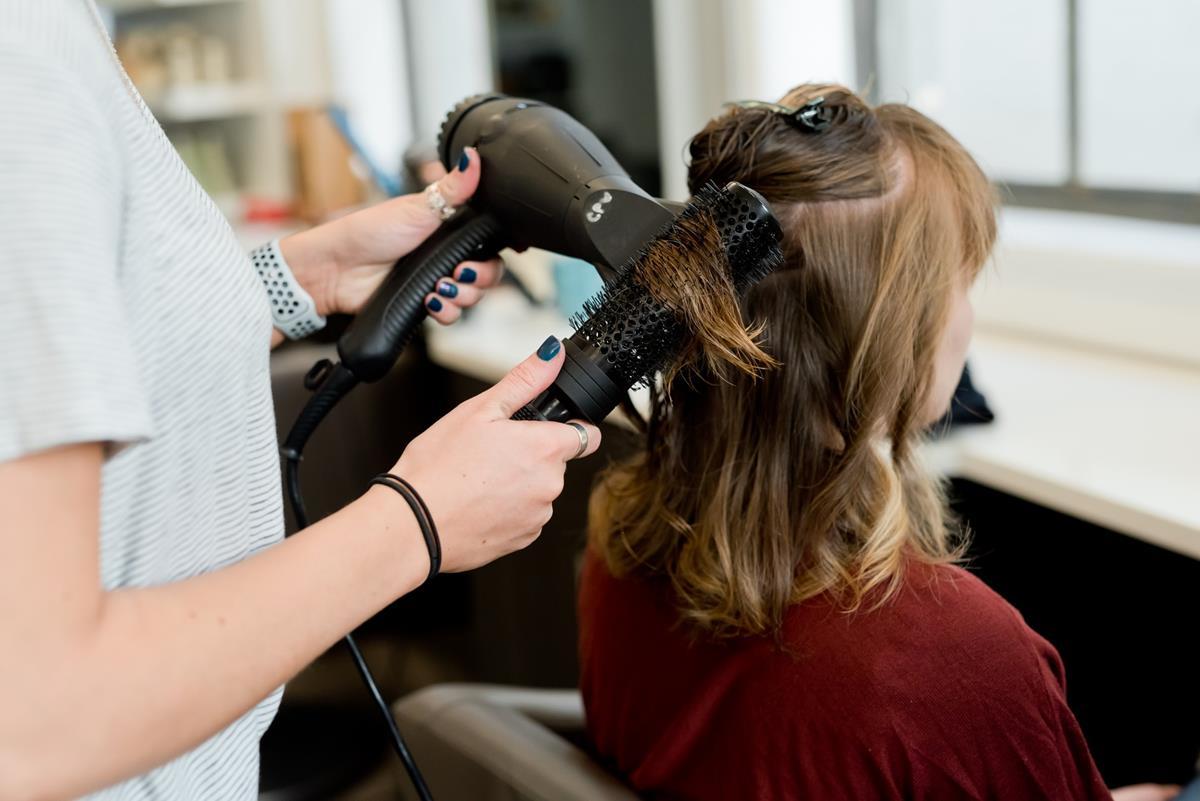 Brakuje ci pomysłu na to, co zrobić ze swoimi włosami?