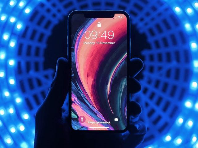 Profesjonalna naprawa iPhone – dla kogo?