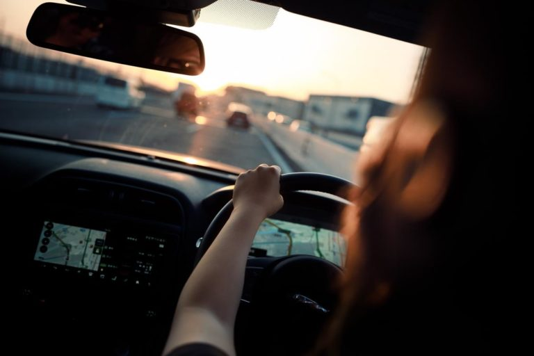 Jak zwiększyć swoje szanse na zdanie egzaminu na prawo jazdy