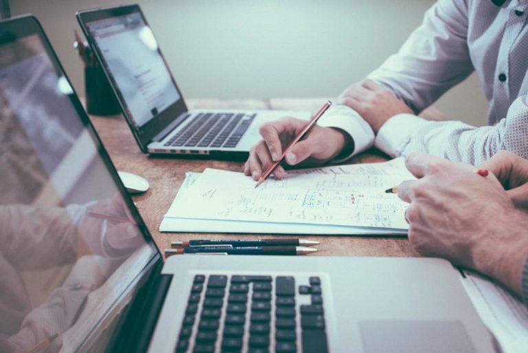 W czym może pomóc specjalistyczne oprogramowanie w firmie