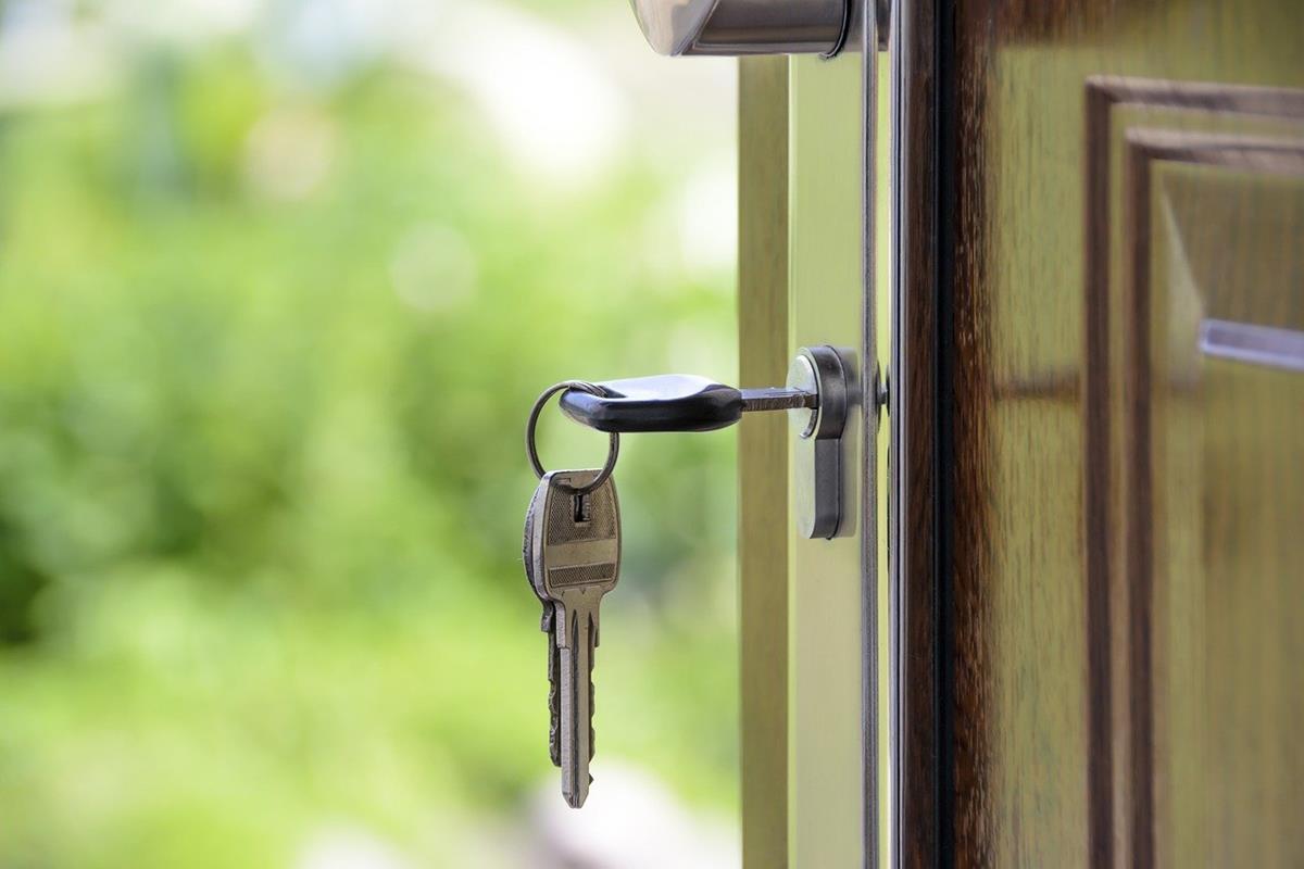 Czy opłaca się kupować drzwi na wymiar?