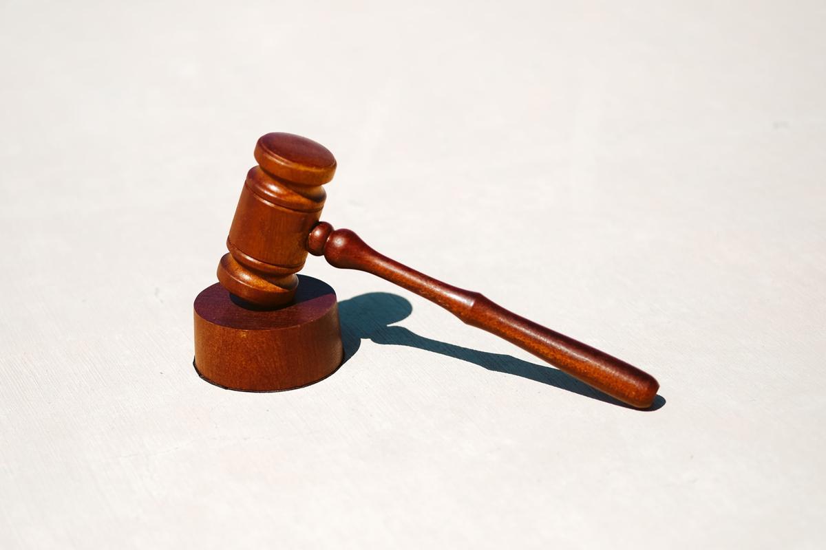 Kiedy potrzebujemy pomocy prawnika?