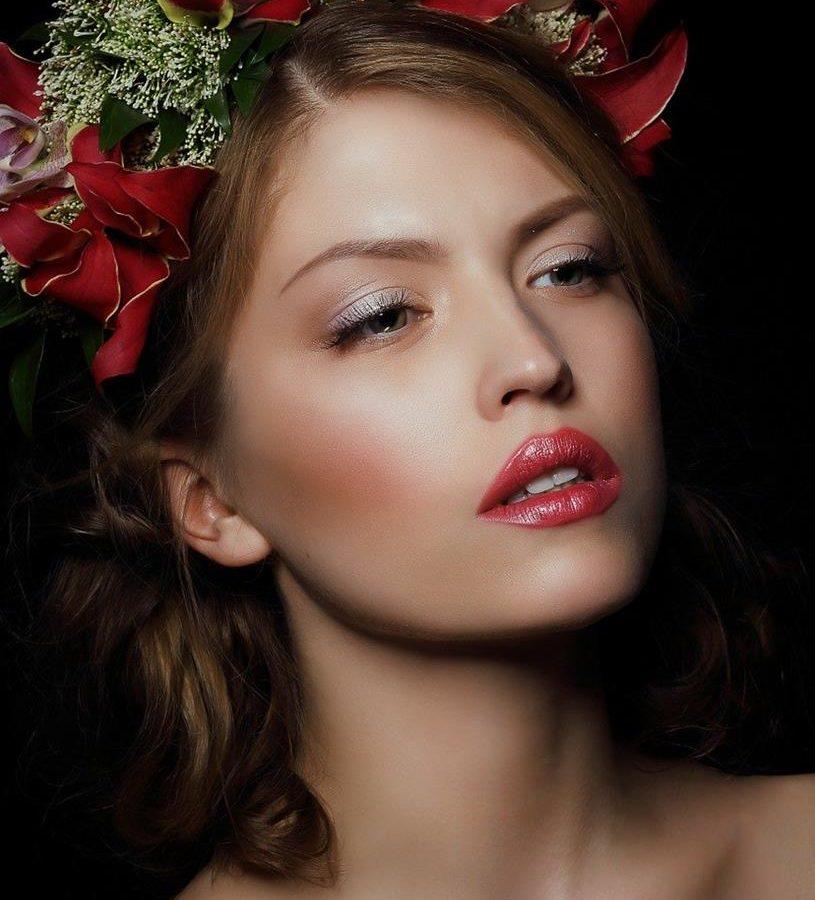Profesjonalne wykonanie makijażu wieczorowego i ślubnego
