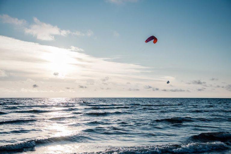 Dlaczego warto jechać na kitesurfing do Egiptu?